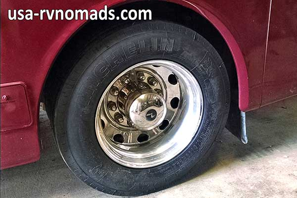rv tire age don 39 t drive on old tires usa rv nomads. Black Bedroom Furniture Sets. Home Design Ideas