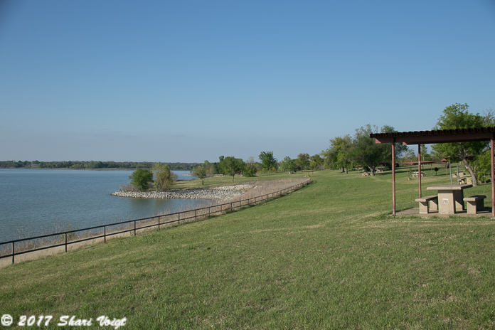 The picnic area borders Lake Lavon.